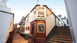 Iconic South Devon pub sold as popular landlord retires.